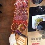 Photo de The Wine Box - Vinhos & Tapas