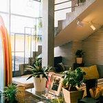В нашей уютной кофейне Ты можешь окунуться в атмосферу отдыха за считанные секунды.