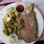 Prime rib au jus and horseradish, with red potatoes and green beans