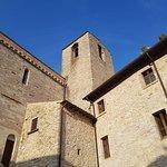 L'abbazia dei Santi Mauro e Felice é un luogo che ti fa una carezza all'anima.