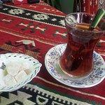 κλασσικό τσάι με λουκουμάκι