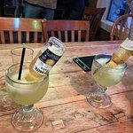 Foto de Bottoms Bar & Grill