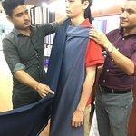 Foto van Giri's Custom Tailor
