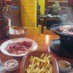 Fondue de Queijo e Rechaud de carnes.