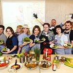 Фото со своими кулинарными шедеврами.