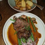 Black pepper beef with potatoes