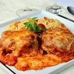 Polpettone e Spaghetti com Aglio e Olio
