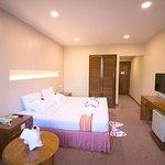 โรงแรม พาโรนาม่า
