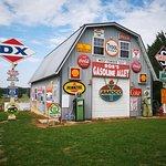Foto van Bob's Gasoline Alley