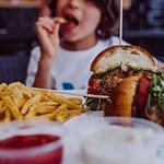 Φωτογραφία: Buddies Burger Somogyi Béla utca 8.