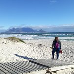 Photo de Bloubergstrand Beach