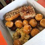 Dolly's Donuts resmi