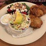 Fish and chips (salad)