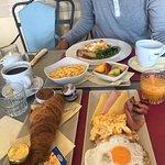 Foto de Liston Cafe & Restaurant