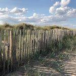Photo de St Andrews West Sands Beach