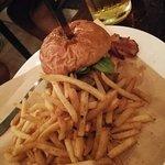 Foto de Hippo Burger Bistro