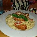 Garlic spaghetti with Chicken Parmesan
