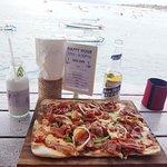 Bild från The Deck Cafe & Bar