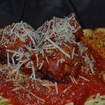 Spaghetti and Meatballs with garlic bread