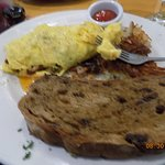Omelet and Applesauce raisin toast