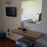 Dressing table & TV - not 4 star quality