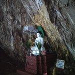 A lo largo del recorrido hay muchos altares de Buda