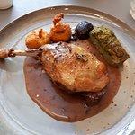 plat: Cuisse de Canard Confite Rôtie, Sauce à la Truffe