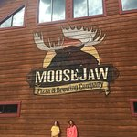Фотография Moosejaw Pizza & Dells Brewing Co.
