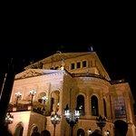 Photo de Old Opera House (Alte Oper)