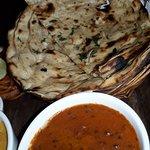 Dal Makhni, Garlic Naan, Lachcha Prantha