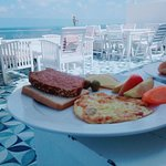 صورة فوتوغرافية لـ Paradise Inn Roof Cafe Windsor Palace