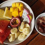 Fruits plate (extra bacon)