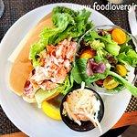 صورة فوتوغرافية لـ Red's Restaurant & Lounge