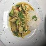 Poulet au curry avec riz nature