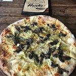 Foto de Hank's Pizza & Liquor