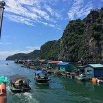Pueblo pesquero flotante