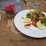Foto van Les Dauphins Heureux Cafe Restaurant