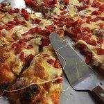 Фотография Fiori's Pizzaria