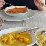 King prawn Goan masala, pilau rice, garlic naan, chicken pasanda.