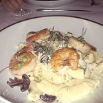 My wife had the shrimp and pasta entreé and enjoyed it enormously