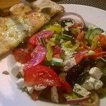 sałatka grecka + sos vinegret