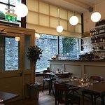 Moon Fish Cafe Foto