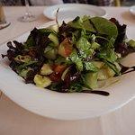 バルサミコ酢のかかったサラダ