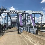 Zdjęcie Newport Southbank Bridge a.k.a. Purple People Bridge