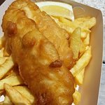 Snapper and chips with lemon