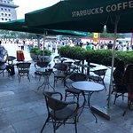 ภาพถ่ายของ Starbucks (BeiJing QianMen Main Street)