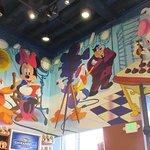 Foto van Disney Studio Store & Ghirardelli Soda Fountain