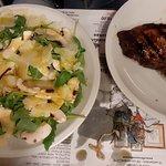 Menù bistecca con contorno insalata di funghi e rughetta