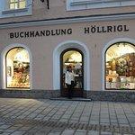 Foto de Buchhandlung Hollrigl