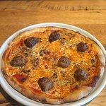 Foto de Matchbox Vintage Pizza Bistro - One Loudoun